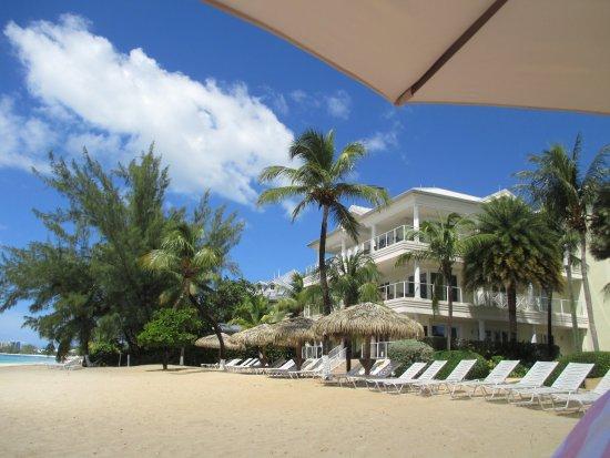 Caribbean Club: Uncrowded beach
