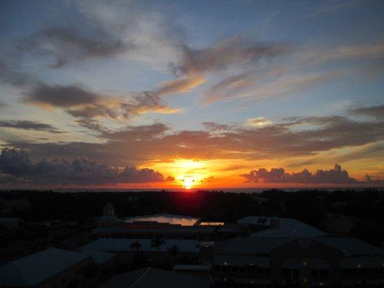 Caribbean Club: Sunrise