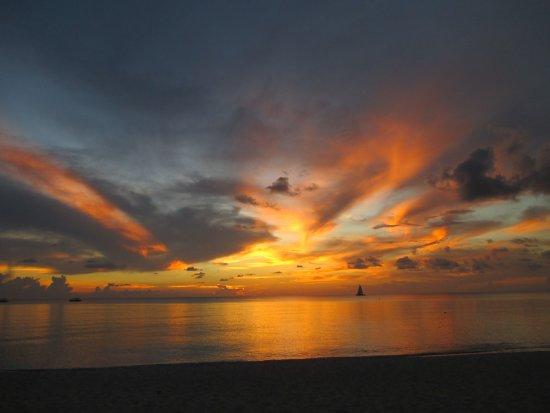 Caribbean Club: Sunset
