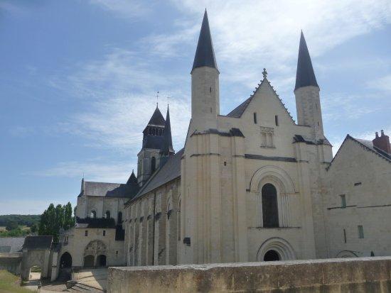 Fontevraud-l'Abbaye Foto