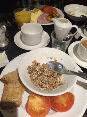 Argyll Hotel breakfast at table - Picture of Argyll Hotel