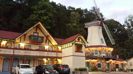Heidi Motel: 20160930_193708_large.jpg