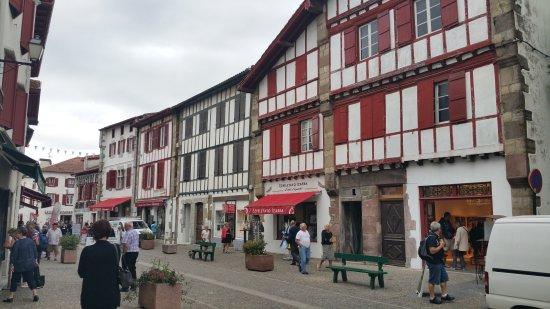 Espelette, Francja: 20160927_160510_large.jpg