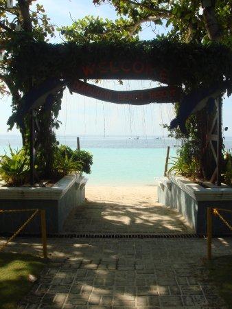 Dumaluan Beach Resort Photo
