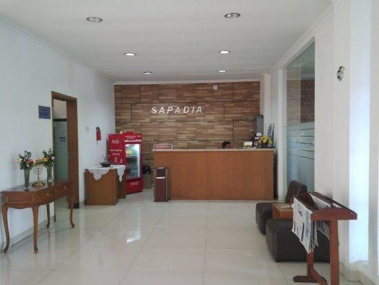Ruang Tamu Hotel Sapadia Guest House Lobby Resepsionis