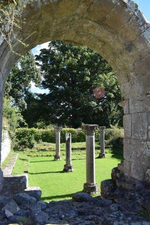 Jervaulx, UK: Old doorway.
