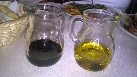 Mondaino, Italia: olio e aceto