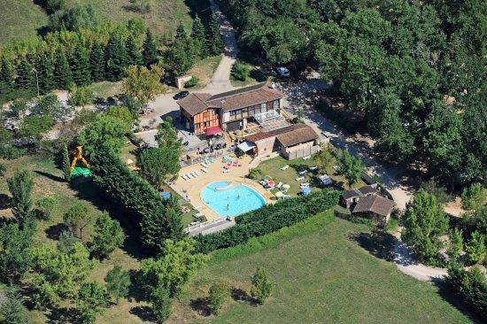 Castelnau-de-Montmiral, Γαλλία: piscine camping du chêne vert