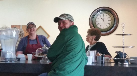 Cracked Pepper: This is a nice break from the everyday chain restaurant. Fresh homemade food and very friendly e