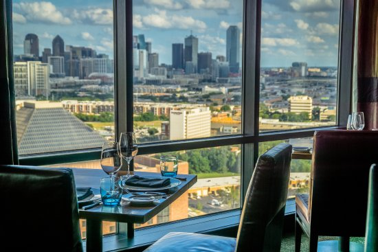 Hilton Anatole Dining At Ser