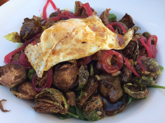 Nipomo, CA: Fried Brussel salad