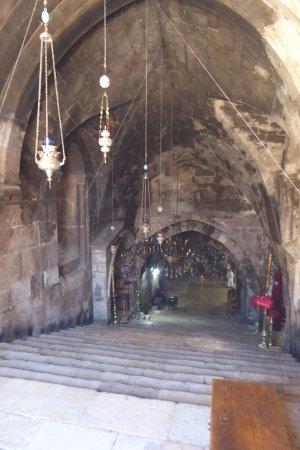 De trap naar beneden picture of tomb of the virgin mary jerusalem tripadvisor - Beneden trap ...