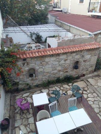 Yenifoça, Türkiye: Внутренний дворик