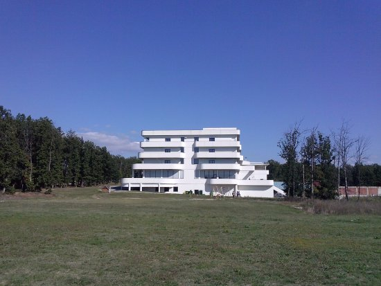 Leskovac, Serbia: view of the hotel from the playgrounds