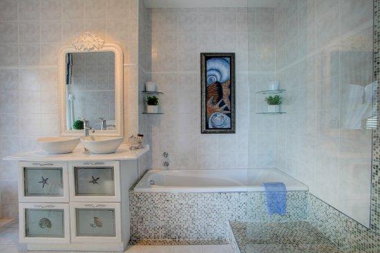 Wilderness, แอฟริกาใต้: Dolphin Suite Bathroom