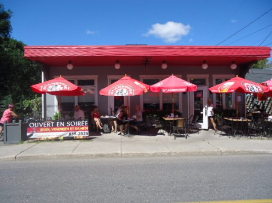 Levis, Canada: Bienvenue au Café du Marché!!!