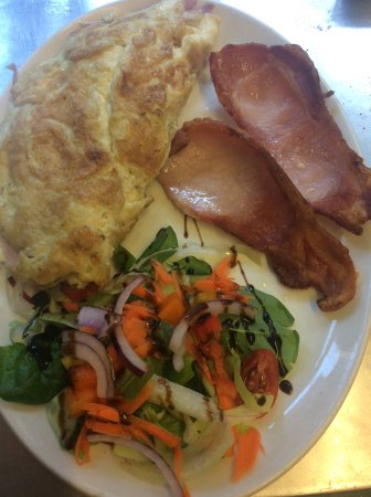 West Malling, UK: A Cheese Omelette with bacon and salad.