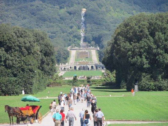 Reggia di caserta il giardino picture of reggia di - Reggia di caserta giardini ...