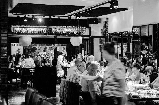 Restaurant De Basiliek: Dinnertime