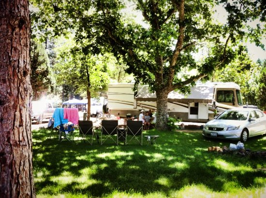 ‪‪Hat Creek‬, كاليفورنيا: RV Sites with Hookups‬
