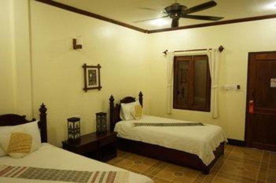 Villa Meuang Lao: room