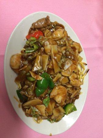 Buzzards Bay, MA: Pan fried crispy noodles