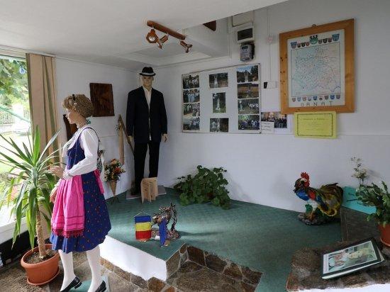 Garana, Rumania: Heimatstub'n Museum, Wolfsberg, Muzeul Satului