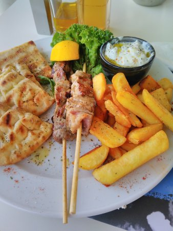Emmantina Hotel: Greek food