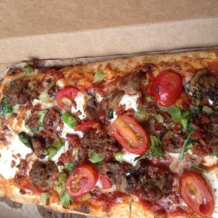 &pizza: photo1.jpg