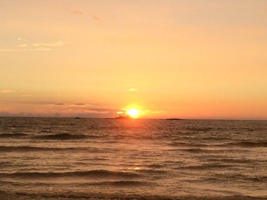 AVANI Bentota Resort & Spa: Sonnenuntergang am Traumstrand