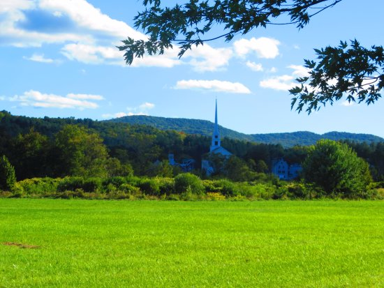 Stowe Recreation Path: View from the quiet path Sept 2016