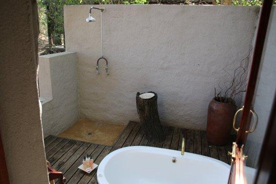 Vasca Da Bagno Per Esterno : Vasca da bagno all esterno foto di kuname lodge hoedspruit