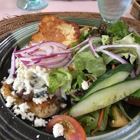 Brackley Beach, Канада: The lamb burger with feta and side salad
