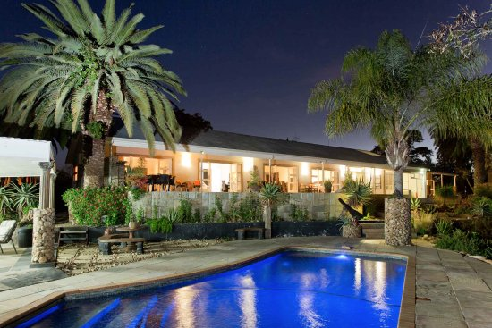 Aloe Manor Guest House | Swimming Pool by night