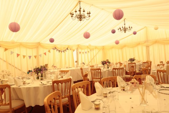 Thornham Coach House: Marque decorations