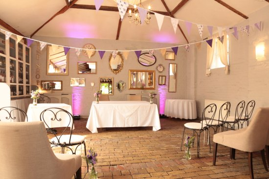 Thornham Coach House: Venue