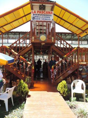 """Sicuani, Peru: """"Eu"""" na entrada do restaurante."""