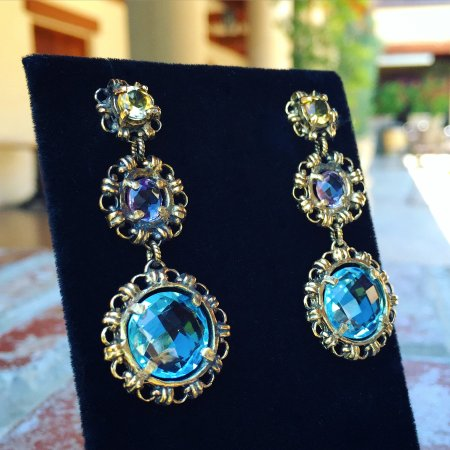 Corona del Mar, كاليفورنيا: Natural briolette cut Blue Topaz, Amethyst & Citrine