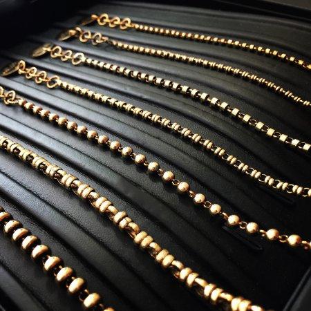 Corona del Mar, كاليفورنيا: Handmade Chains, substantial and lonlasting