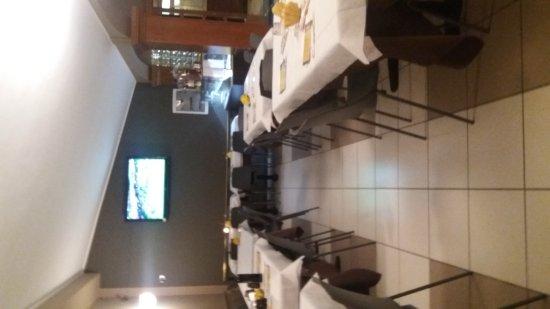 Cadeo, อิตาลี: Pizzata in famiglia di sabato sera ottima l accoglienza e subito al tavolo dopo l ordinazione pi