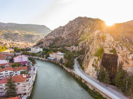 Buyuk Amasya Oteli : Yeşilırmağın kenarında merkezi konumu ile Büyük Amasya Oteli