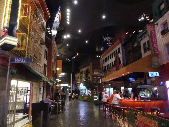 Newyork newyork casino restaurants poker wellington thursday
