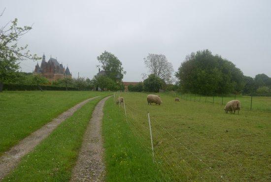 Martainville-Epreville, Francia: la campagna ed il castello