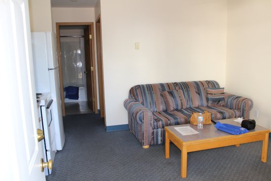 Blue River Motel: Spacious room.