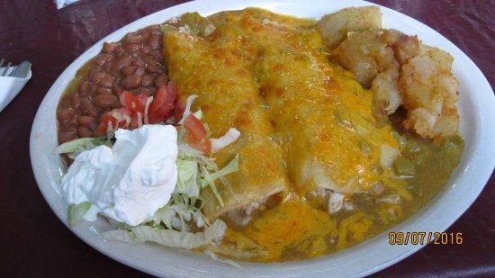 El Patio De Albuquerque: Chicken Enchilidas With Green Chili And Queso