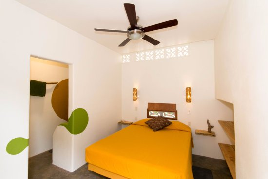 Las Salinas, Nicaragua: Probably the most comfortable Queen bed you can find!