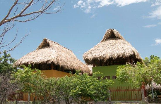 Las Salinas, Nicaragua: Red Pepper cabañas from the beach