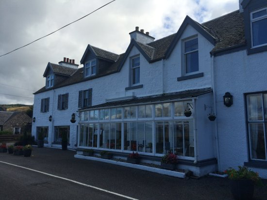 Airds hotel restaurant