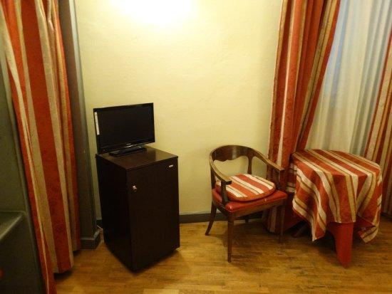 هوتل يونيكورنو: Hotel Unicorno