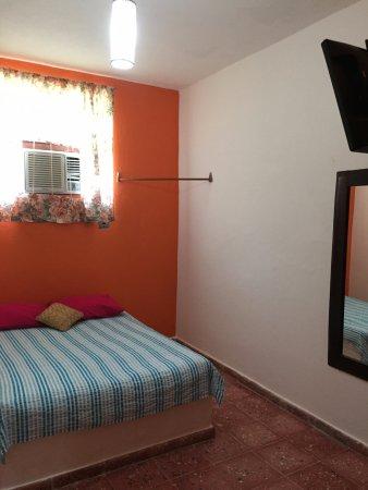 Comalcalco, México: Habitación Estándar. Tiene aire acondicionado, tv pantalla plana, baño privado.